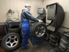 ГИБДД рассказала, когда в этом году нужно менять зимние шины на авто