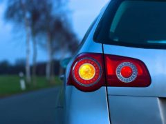 Как ГИБДД наказывает водителей за неправильно включенный «поворотник»