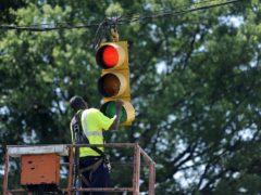 Можно ли проехать на красный сигнал сломанного светофора