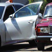 Кто будет платить за аварию, спровоцированную пассажиром, неудачно открывшим дверь машины