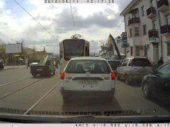 Можно ли безнаказанно обгонять по трамвайным путям