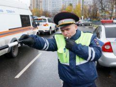 Как гаишники штрафуют водителей за те или иные неисправности автомобиля