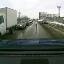 Можно ли объезжать дорожный затор по встречной обочине