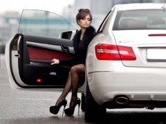 Как ГИБДД оштрафует водителя за неправильную посадку в авто
