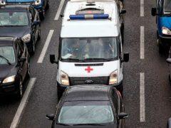 Разрешено ли нарушать ПДД, уступая дорогу машинам с «мигалкой»