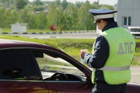 Может ли гаишник потребовать от пассажира выйти из машины