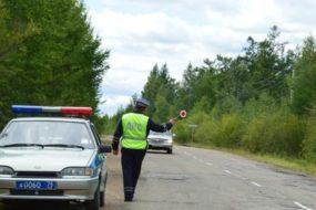 На каких водителей охотятся гаишники, устраивая засады на выезде из дачных поселков